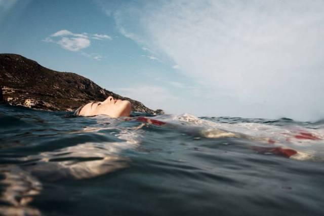Bei den Naps vom Polyphasischen Schlafen stelle ich mir vor, wie ich zum Meeresgrund hinab gleite.